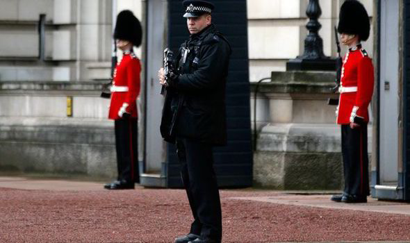 police buckingham palace