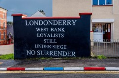 Loyalist mural Derry west bank